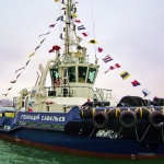 Буксир Геннадій Савєльєв пристає до причалу портового флоту «Южного»
